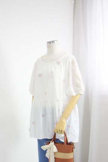 꽃 자수 반팔 블라우스 MSM1905